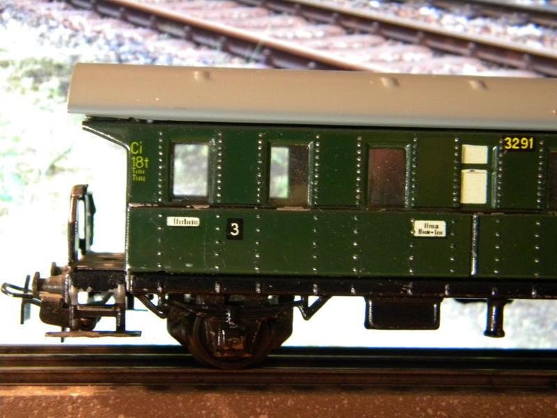 Märklin 329/1 bzw 4002 Personenwagen 2achsig grün 16495599rq