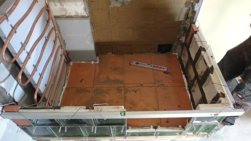Treppenhaus nach außen verlegen  kachelofen / kupferleitung / pufferspeicher - HaustechnikDialog