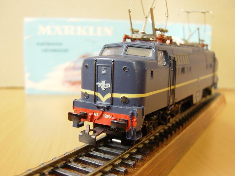 E-Lok Serie 1200 der Nederlandse Spoorwegen /NS/ (MÄRKLIN Art.Nr.3051) 16620421du