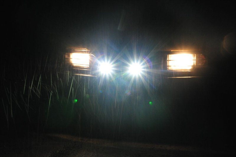 Zusätzliche Beleuchtung am Defender [Archiv] - blacklandy