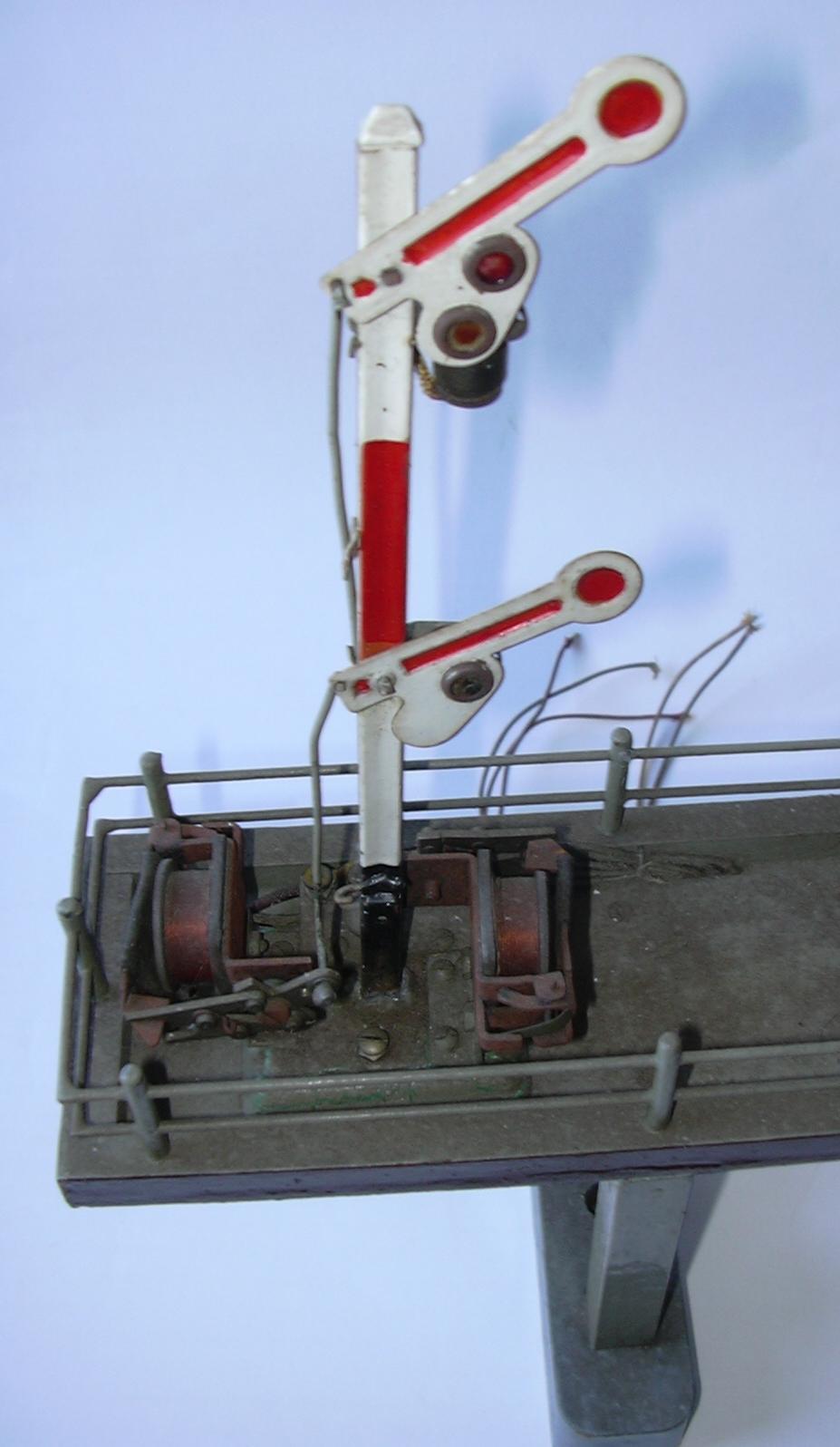 Signalbrücke Spur 0 aus Märklinteilen 16983246mm