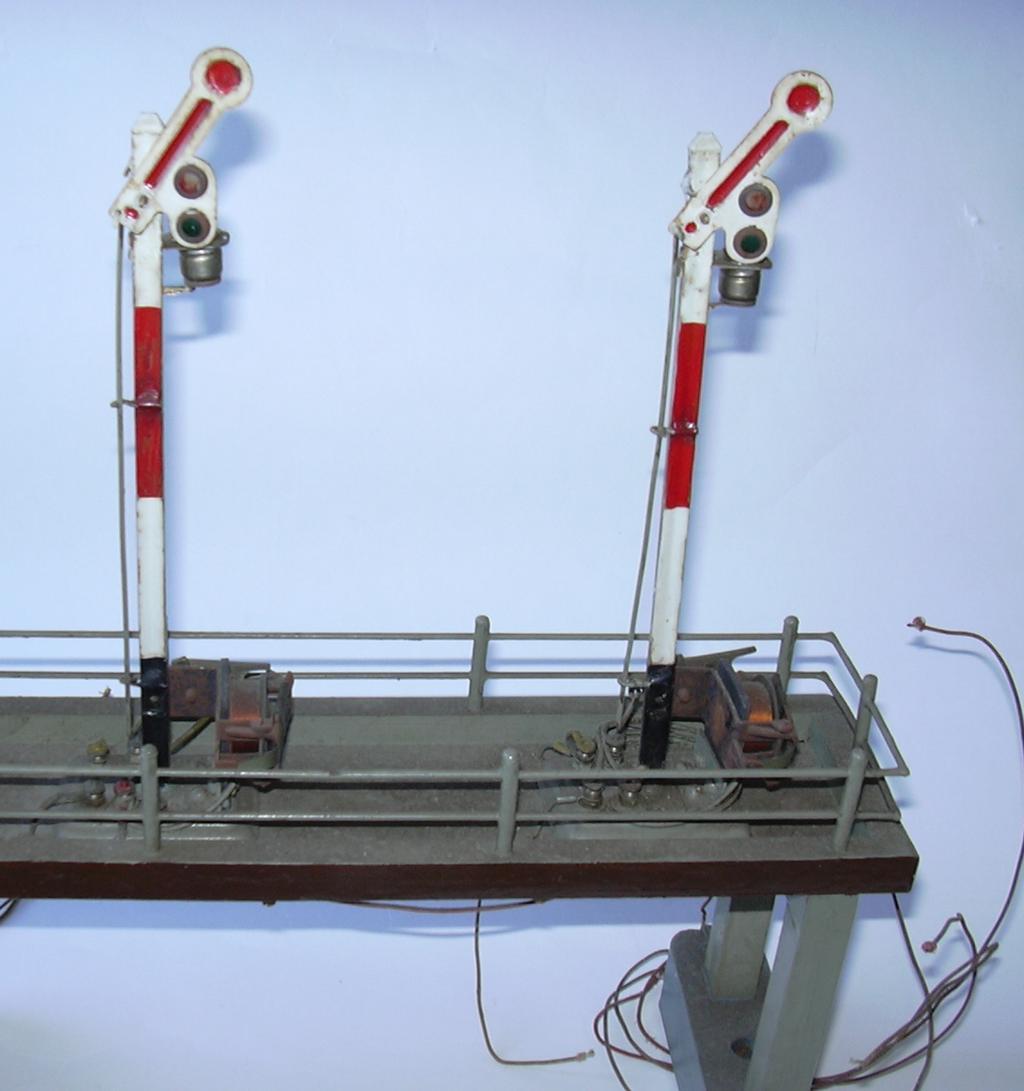 Signalbrücke Spur 0 aus Märklinteilen 16983248qv