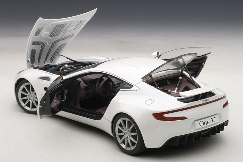aston martin news seite 2 modelcarforum. Black Bedroom Furniture Sets. Home Design Ideas