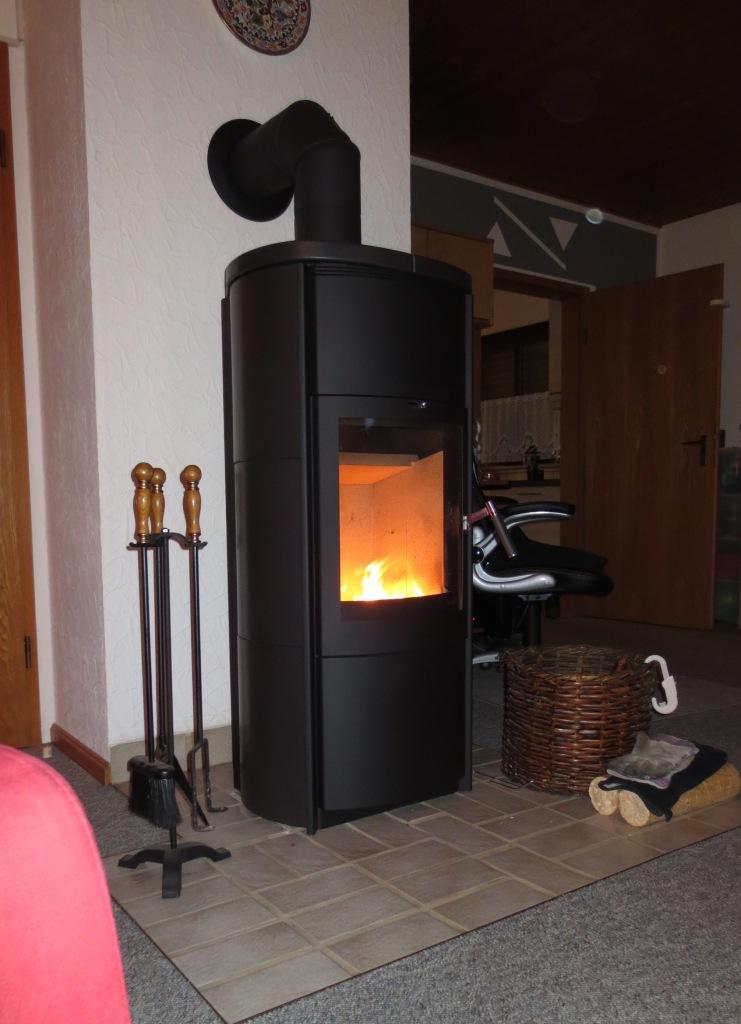 kamin oder grundofen bei holzrahmenbau neubau kfw70 haustechnikdialog. Black Bedroom Furniture Sets. Home Design Ideas