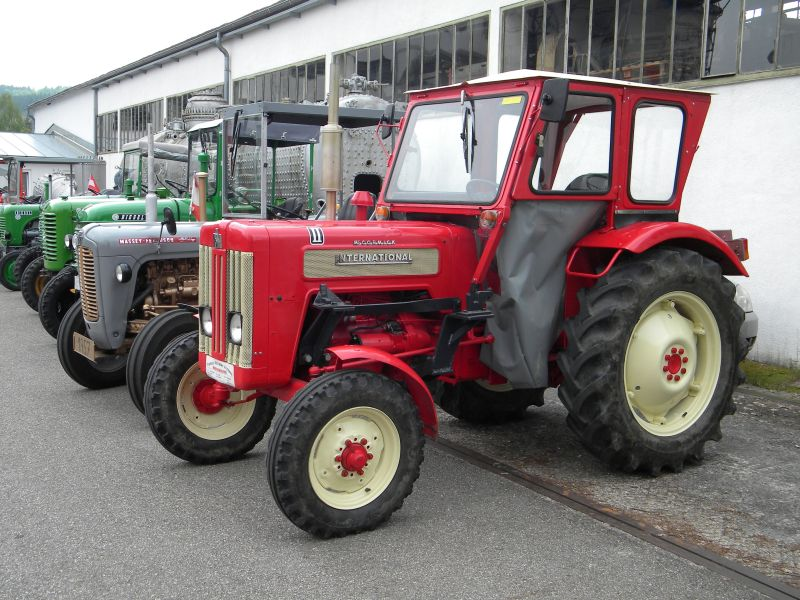 Historische Traktoren bei Saisoneröffnung der ÖGEG in Ampflwang 18230286qt