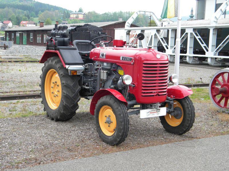 Historische Traktoren bei Saisoneröffnung der ÖGEG in Ampflwang 18230289rn