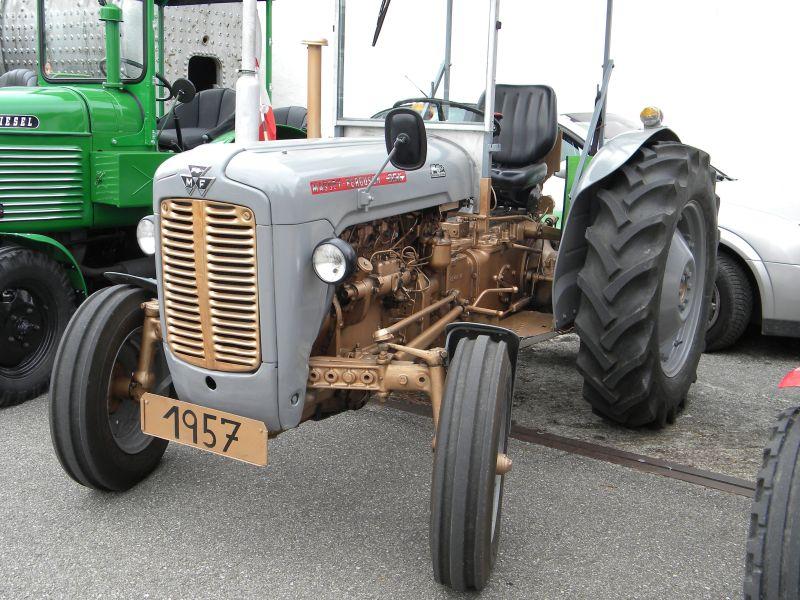 Historische Traktoren bei Saisoneröffnung der ÖGEG in Ampflwang 18230293oj