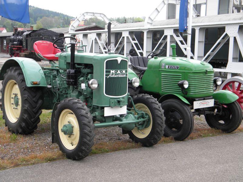 Historische Traktoren bei Saisoneröffnung der ÖGEG in Ampflwang 18230298li