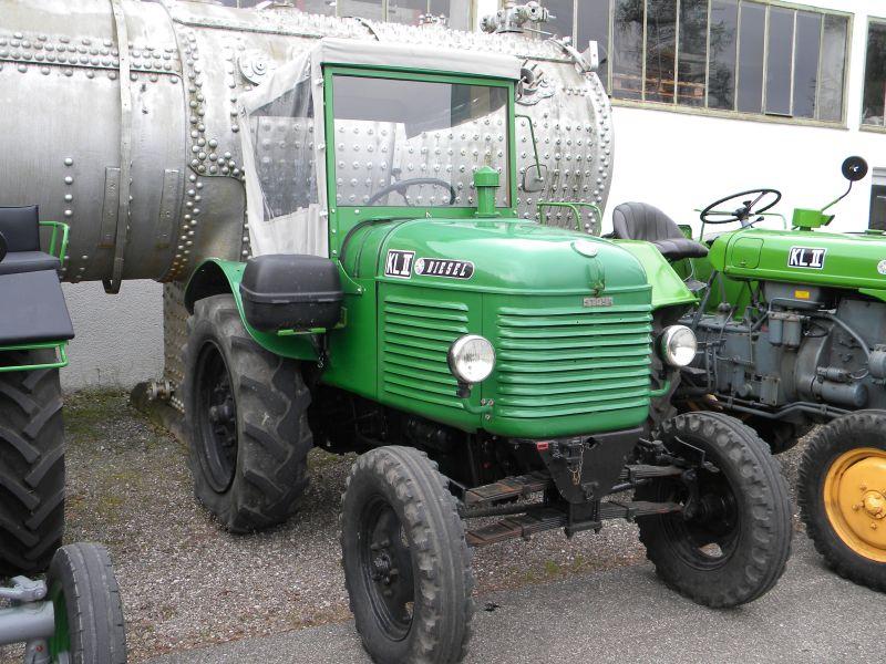 Historische Traktoren bei Saisoneröffnung der ÖGEG in Ampflwang 18230301bs