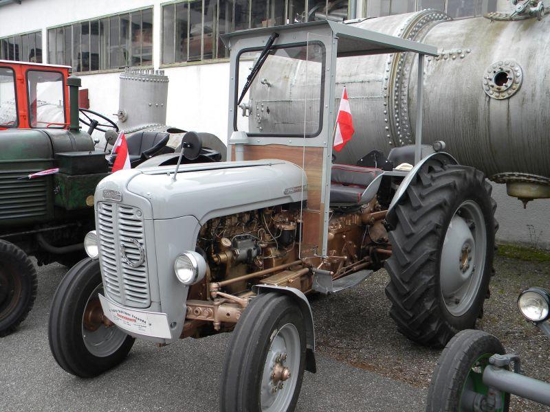 Historische Traktoren bei Saisoneröffnung der ÖGEG in Ampflwang 18230356an