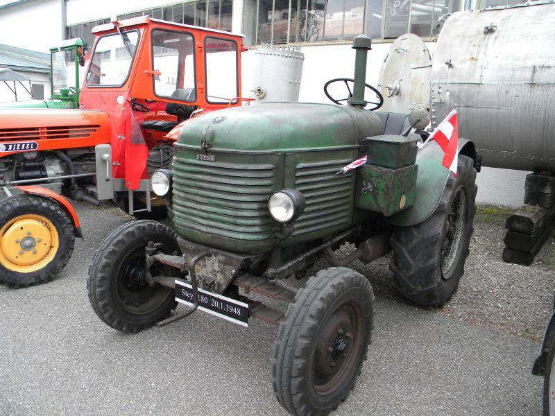Historische Traktoren bei Saisoneröffnung der ÖGEG in Ampflwang 18230358yr