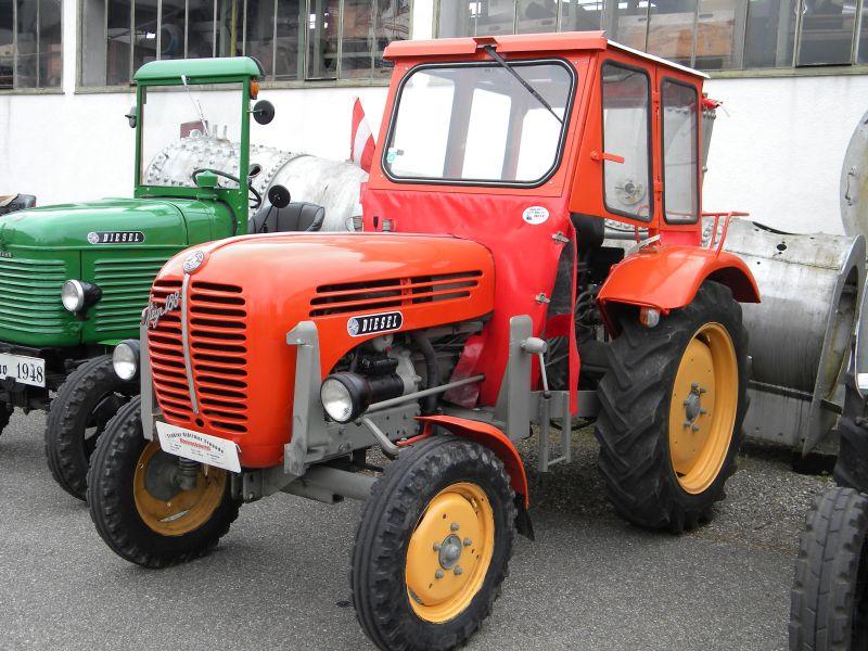 Historische Traktoren bei Saisoneröffnung der ÖGEG in Ampflwang 18230362pi
