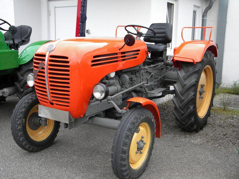 Historische Traktoren bei Saisoneröffnung der ÖGEG in Ampflwang 18230365wx