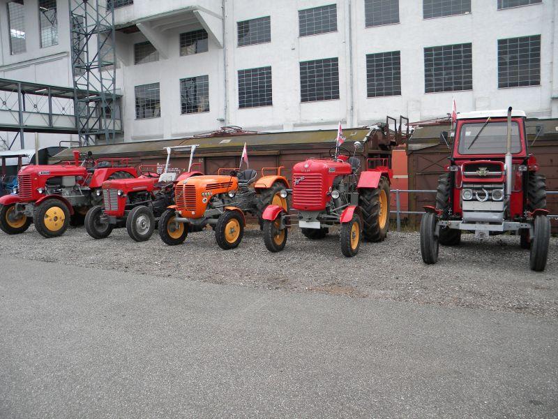Historische Traktoren bei Saisoneröffnung der ÖGEG in Ampflwang 18230367un