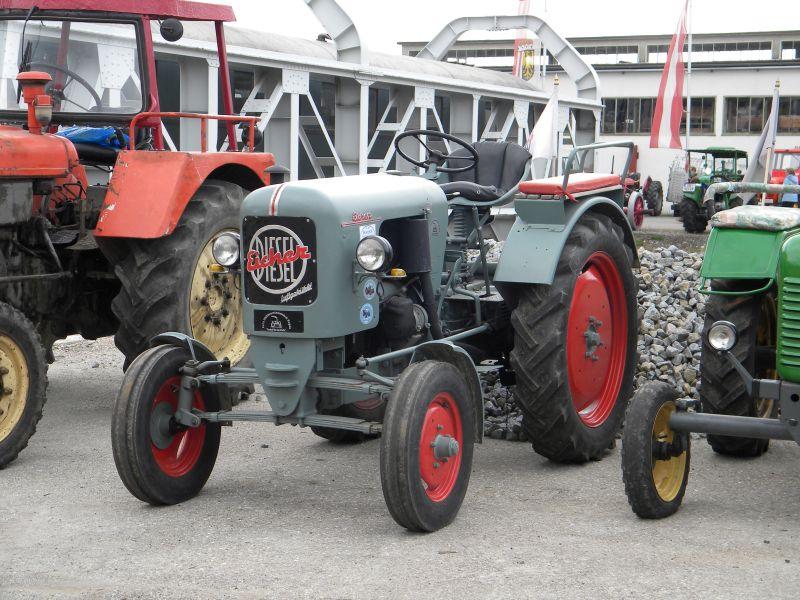 Historische Traktoren bei Saisoneröffnung der ÖGEG in Ampflwang 18230399tb