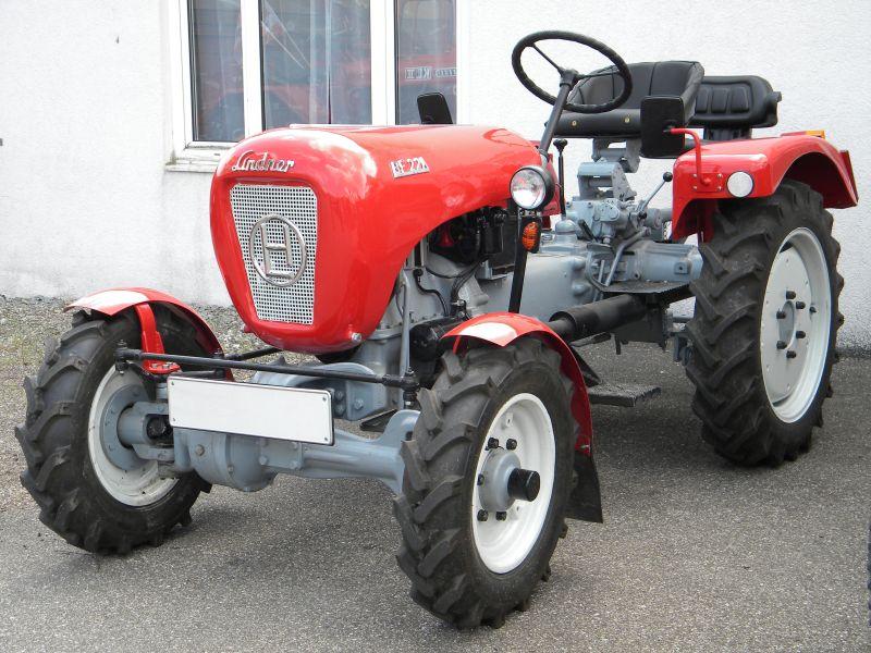 Historische Traktoren bei Saisoneröffnung der ÖGEG in Ampflwang 18230400xx