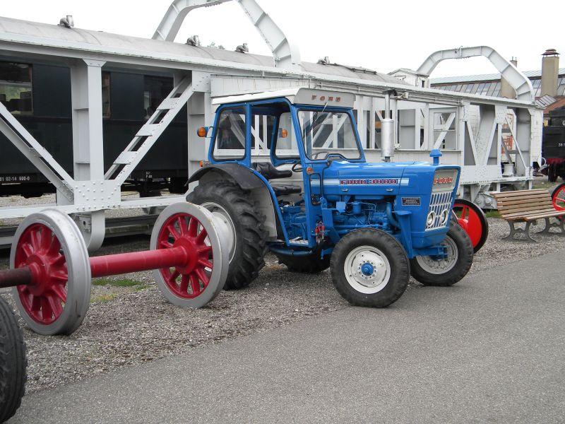Historische Traktoren bei Saisoneröffnung der ÖGEG in Ampflwang 18230401et