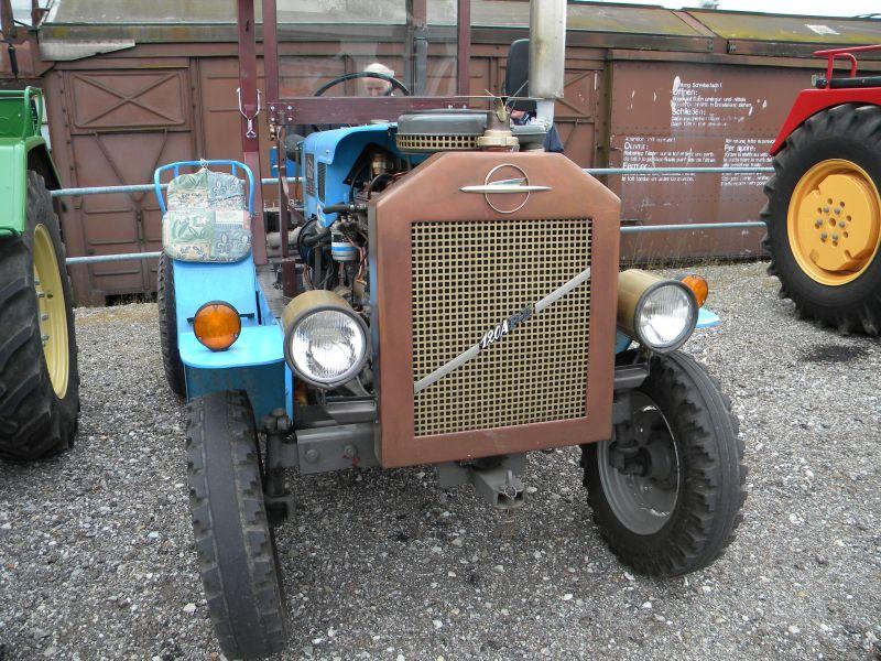 Historische Traktoren bei Saisoneröffnung der ÖGEG in Ampflwang 18230403wx