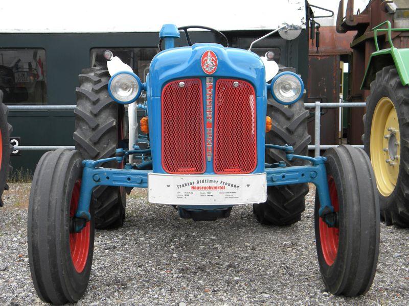 Historische Traktoren bei Saisoneröffnung der ÖGEG in Ampflwang 18230405dk