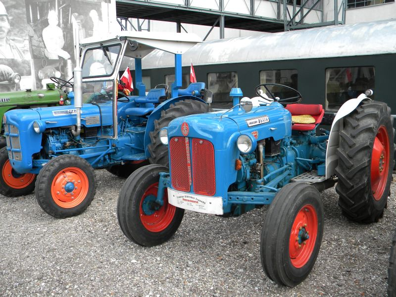 Historische Traktoren bei Saisoneröffnung der ÖGEG in Ampflwang 18230418fj