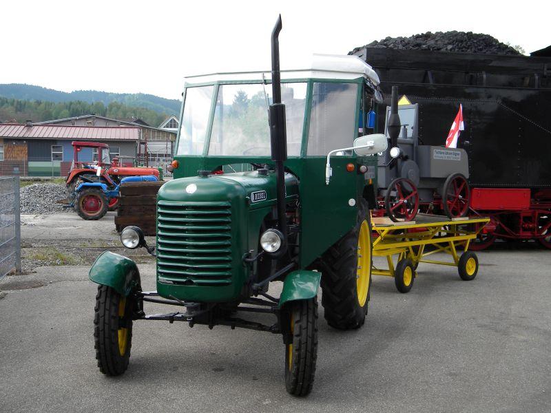Historische Traktoren bei Saisoneröffnung der ÖGEG in Ampflwang 18230419do