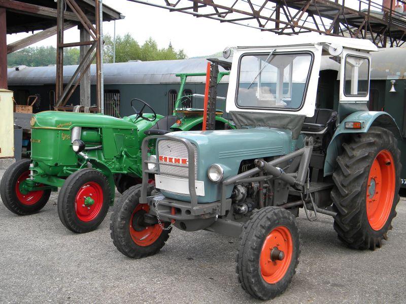 Historische Traktoren bei Saisoneröffnung der ÖGEG in Ampflwang 18230421qv