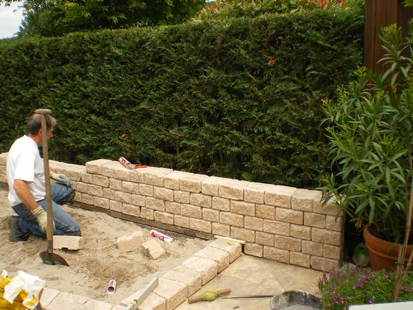 Sitzplatz mit Ruinen-Mauer - Mein schöner Garten Forum
