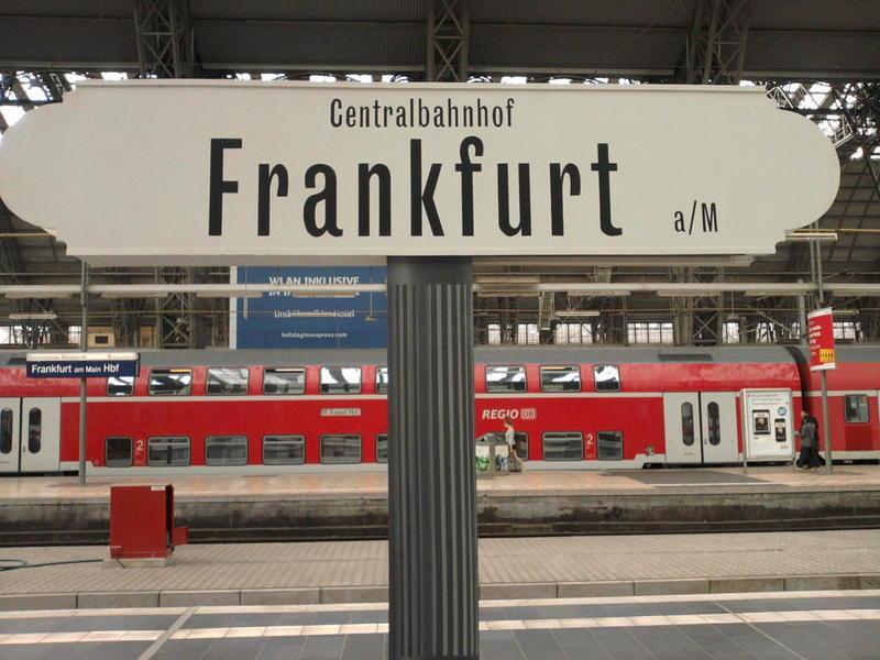 Neu in Frankfurt 18408028be