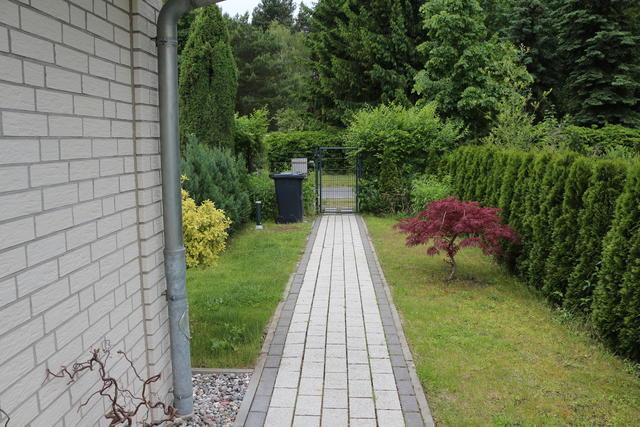 Ein langer weg und fast nichts daneben seite 1 for Gartengestaltung langer garten