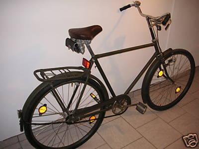 wer von euch hat ein echtes bundeswehr fahrrad mit. Black Bedroom Furniture Sets. Home Design Ideas