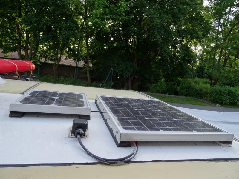 solarpanel montieren l cher ins dach tipps gesucht. Black Bedroom Furniture Sets. Home Design Ideas