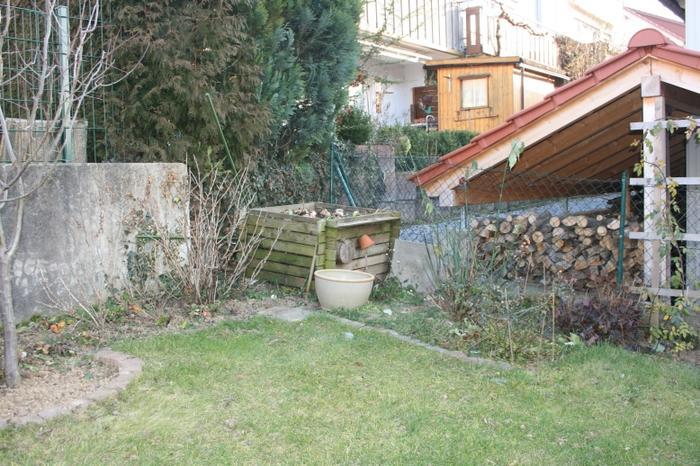 gartenbank vor kompost brauche sichtschutz mein sch ner garten forum. Black Bedroom Furniture Sets. Home Design Ideas