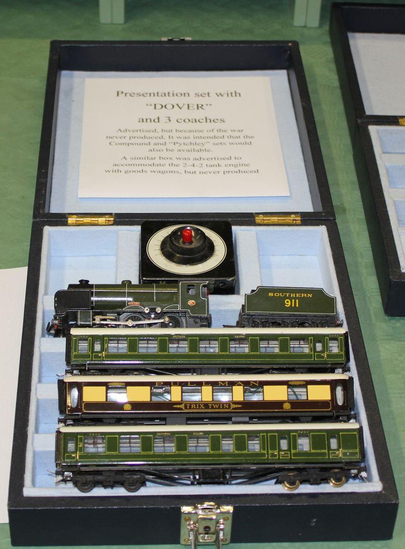 Historische Modellbahnen in Berlin 2014 am Sa 25. und So 26.10.2014 19929530qe