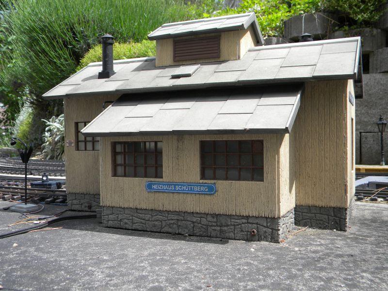 Modelleisenbahn-Außenanlage im Heizhaus Strasshof 19994807xq