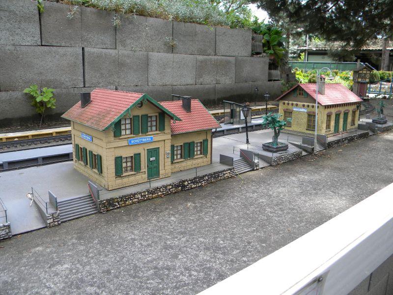 Modelleisenbahn-Außenanlage im Heizhaus Strasshof 19994809ox