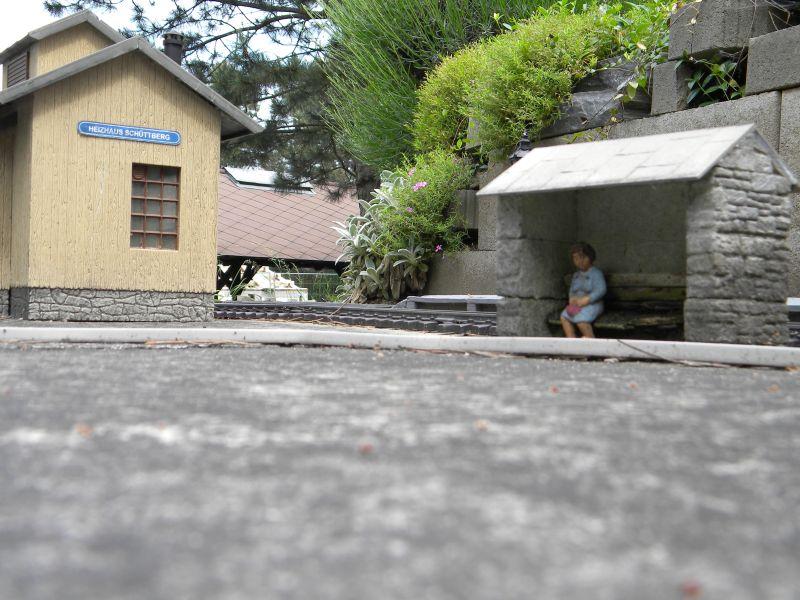 Modelleisenbahn-Außenanlage im Heizhaus Strasshof 19994811lm