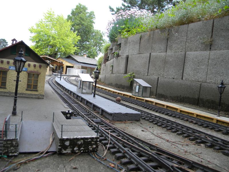 Modelleisenbahn-Außenanlage im Heizhaus Strasshof 19994813dr
