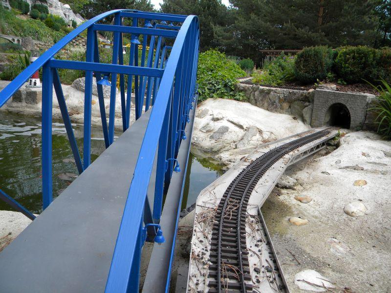 Modelleisenbahn-Außenanlage im Heizhaus Strasshof 19994954ul