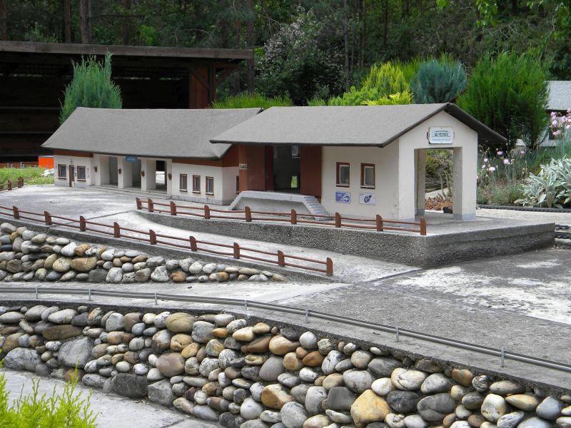 Modelleisenbahn-Außenanlage im Heizhaus Strasshof 19994982cf
