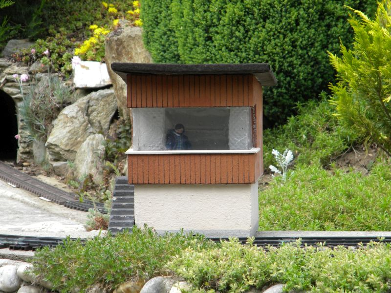 Modelleisenbahn-Außenanlage im Heizhaus Strasshof 19994983js