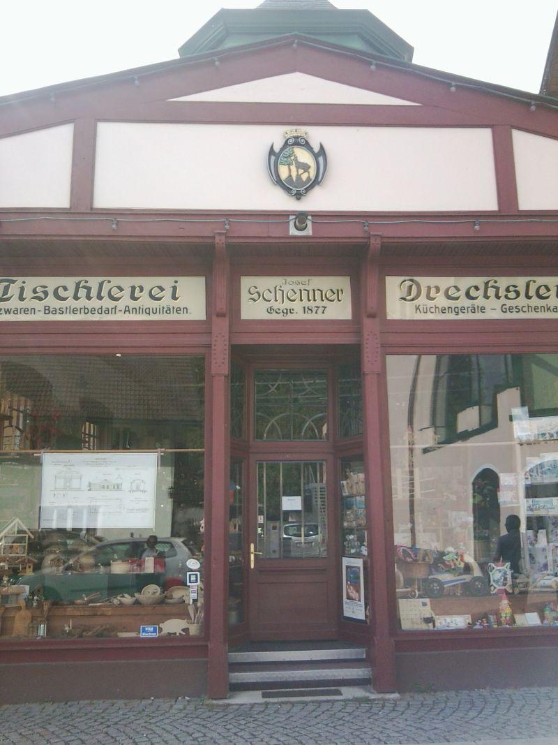 Bad Ischl - einstige saisonale Metropole der  österreichischen Monarchie 20040762qz