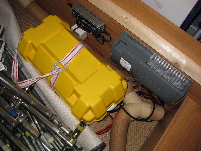 undurchsichtige elektrische helferchen stromversorgung autark installation wohnwagen. Black Bedroom Furniture Sets. Home Design Ideas