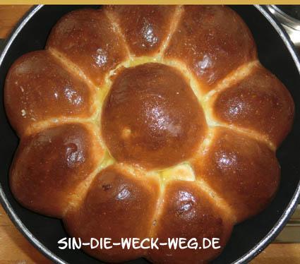 Dresdner Buchteln vom Plötzblog mit Vanillesoße