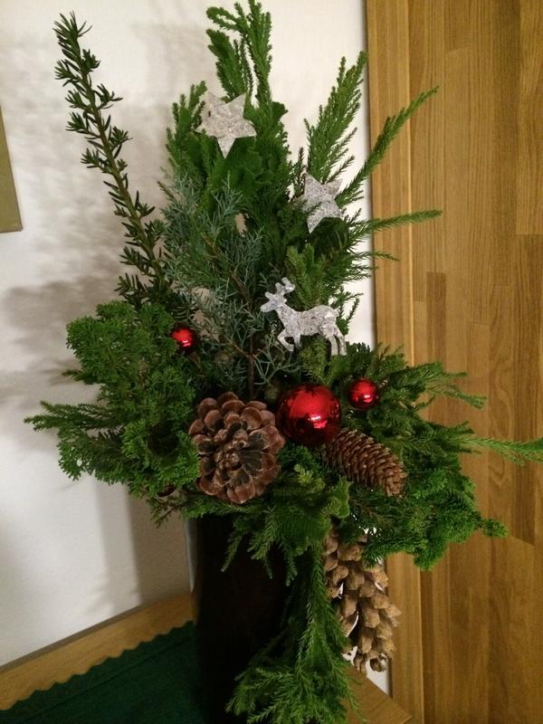 selbstgemachte weihnachtsgestecke weihnachtdeko ideen sandras und svens forum f r ausflugtipps. Black Bedroom Furniture Sets. Home Design Ideas