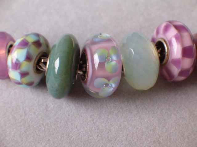 Playing with my new Santa swap bead 20328833th