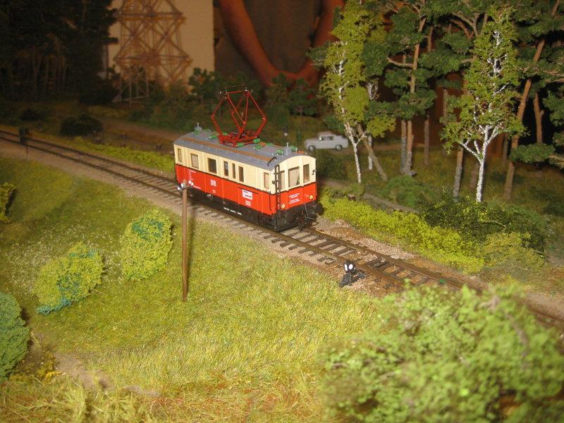 Elektrischer Gütertriebwagen auf Kleinbahnstrecke 20400273ff
