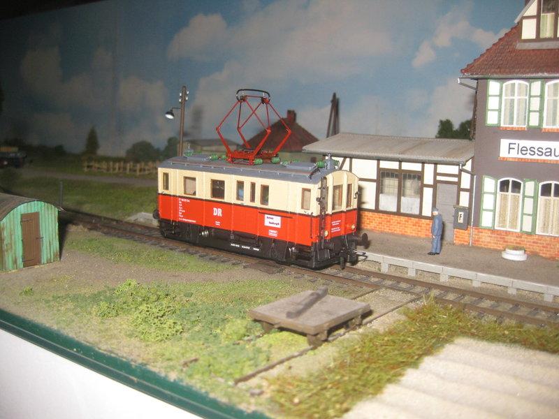Elektrischer Gütertriebwagen auf Kleinbahnstrecke 20400282sz