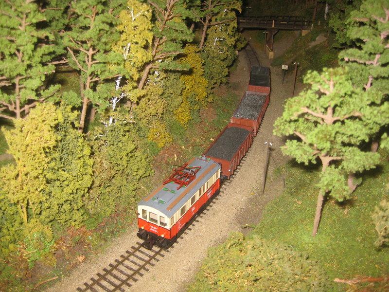 Elektrischer Gütertriebwagen auf Kleinbahnstrecke 20400293dd