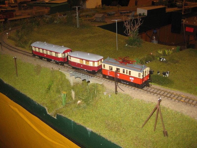Elektrischer Gütertriebwagen auf Kleinbahnstrecke 20400340my
