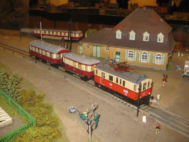 Elektrischer Gütertriebwagen auf Kleinbahnstrecke 20400350cs